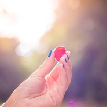 Next thumb
